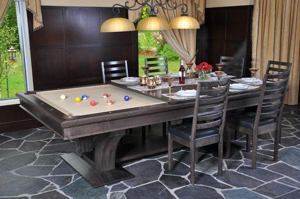 Billardtisch-Esstisch-Stühle-Gardinen-Kleiderschrank-Mosaik