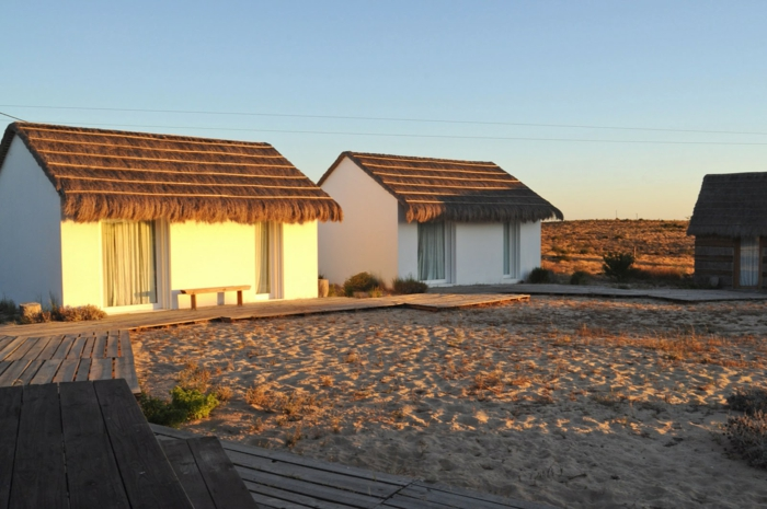 Casas-na-Areia-3-ferienhäuser-architektur-ferienhäuser-portugal-urlaub-portugal