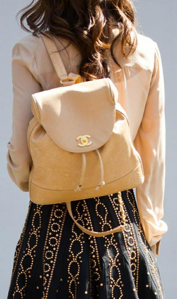 Chanel-Rücksack-beige