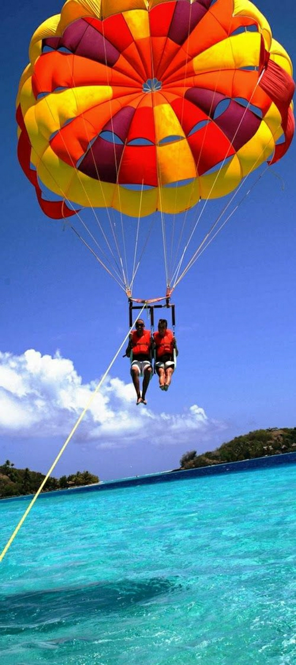 Fallschirm-Tandemflug-Bora-Bora-Französisch-Polynesien-Para-Sailing