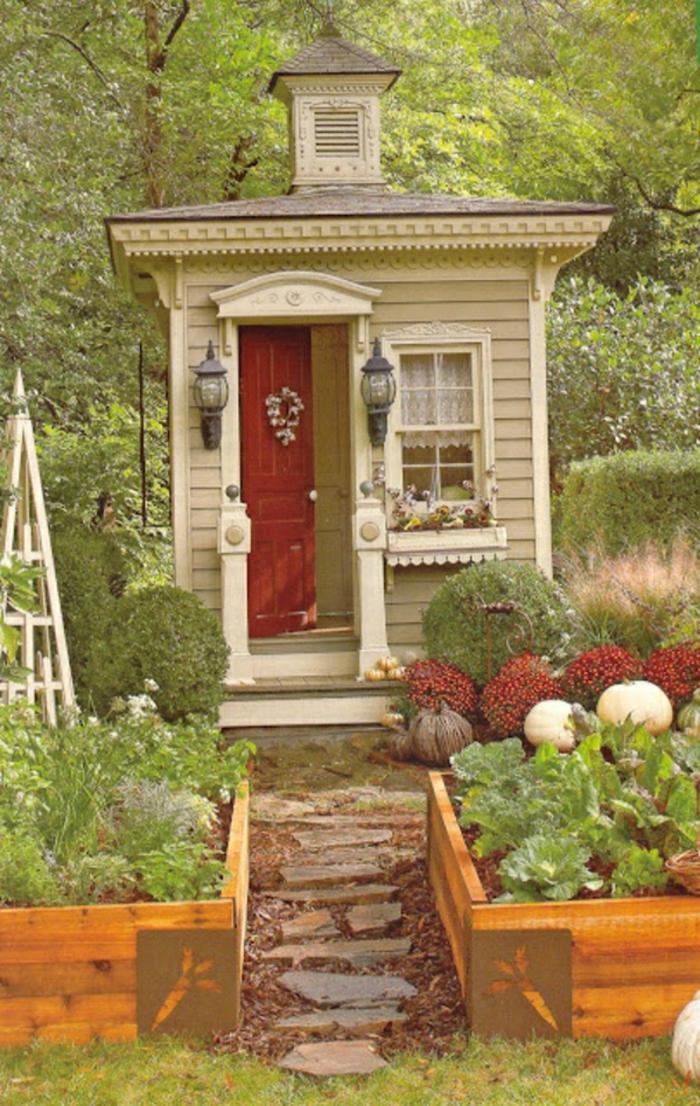 Garten-Gartenhaus-märchenhaft