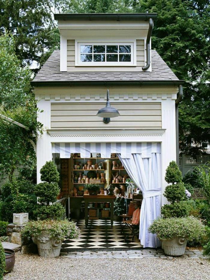 Gartenhaus-Gardinen-keramische-Gefäße