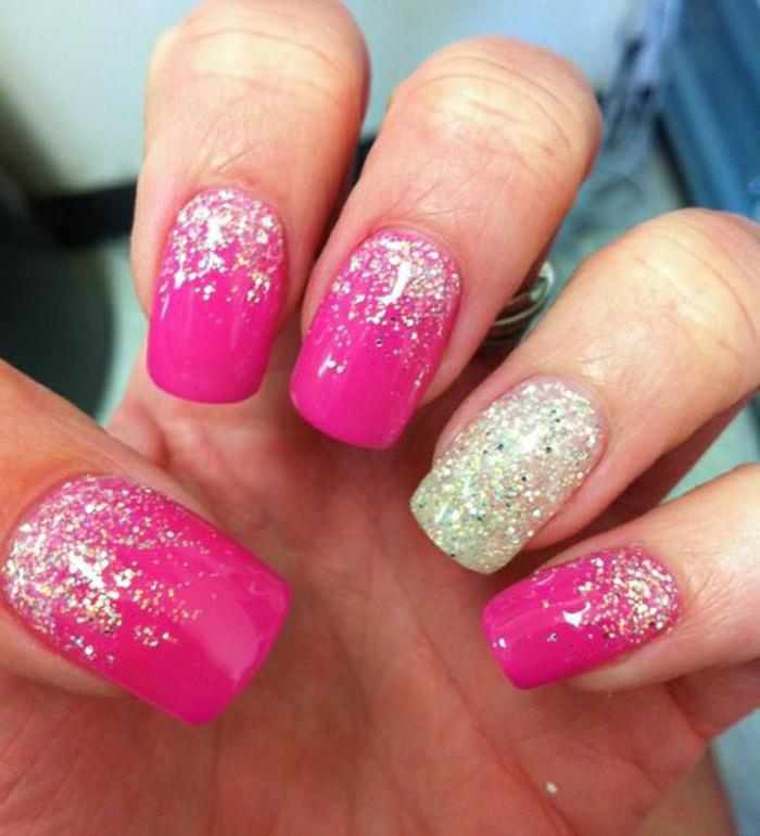 Gel-Nägel-rosa-goldener-Glanz