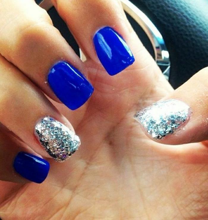 Gel-Nagellack-blau-Glanz