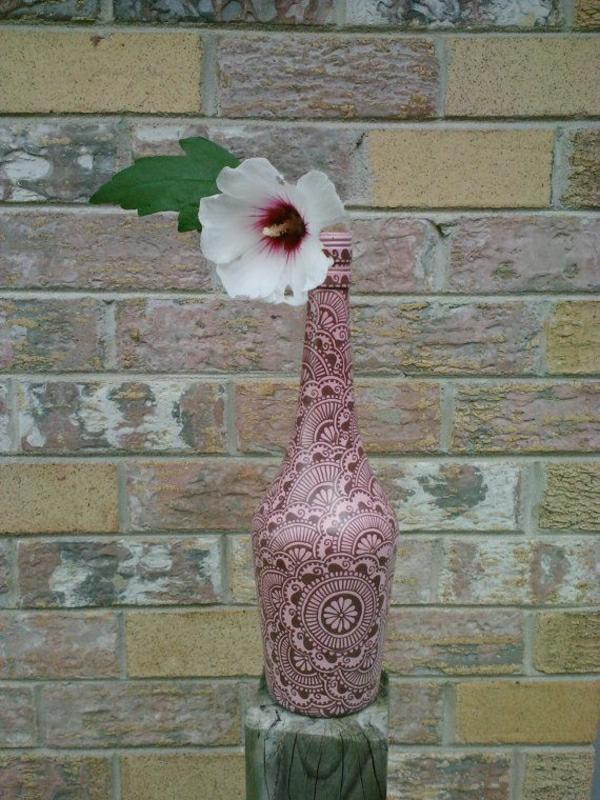 Henna-Muster-Dekoration-Rosa-Braun-Flasche-Blume