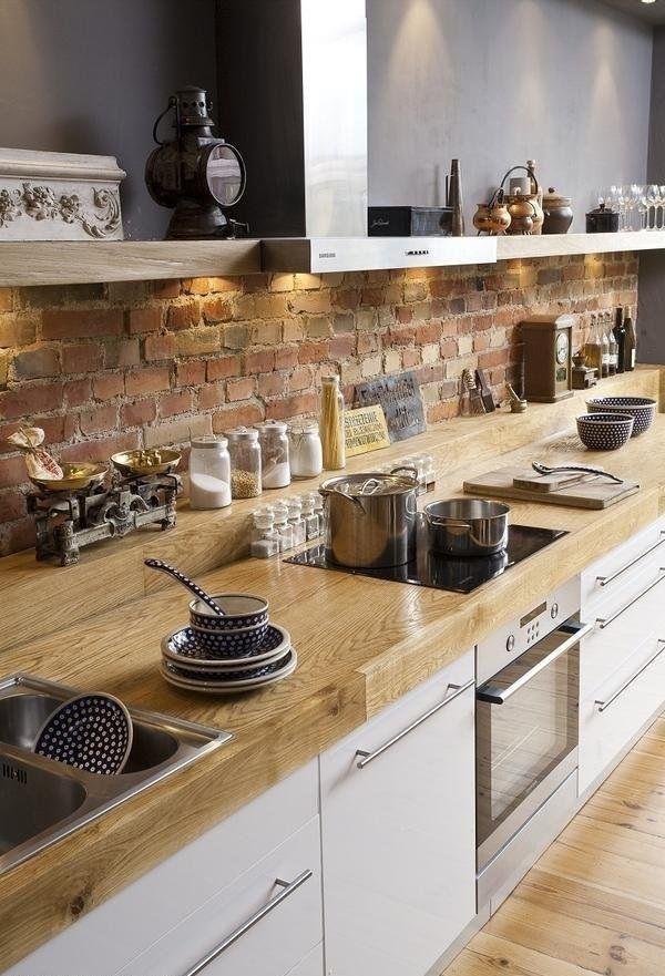 Küche-Landhaus-Design-Herd-Töpfe-Porzellan-Einweckgläser