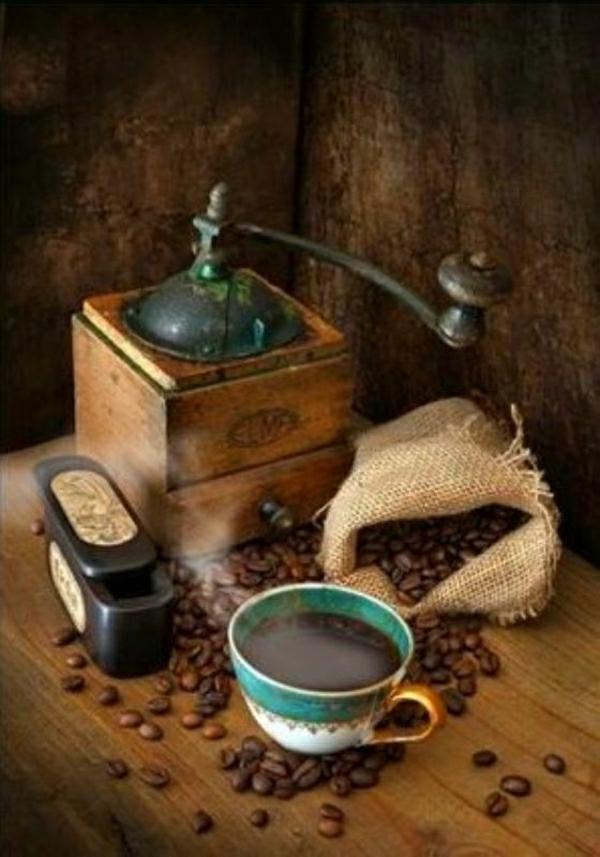 Kaffeebohnen-Kaffeetasse-Mühle