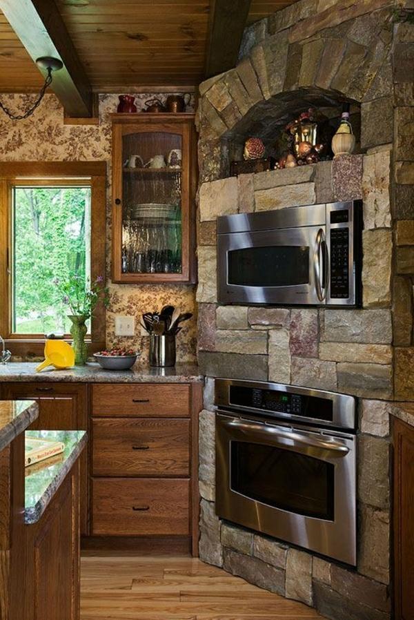 Landhausküchen-Holz-Stein-Fenster-Einbaugeräte