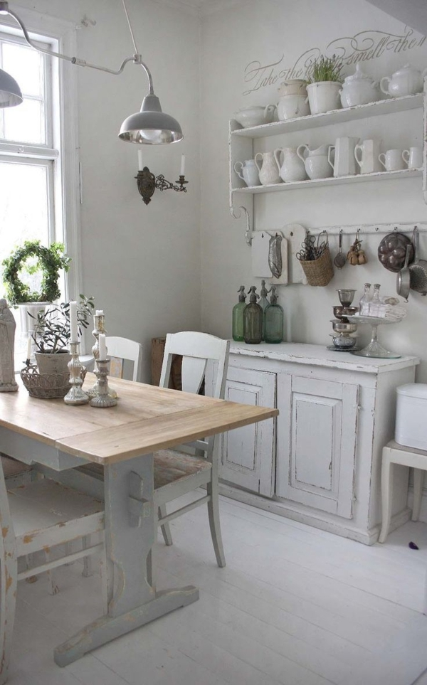 Landhausküchen-weiß-französicher-Stil-Vintage