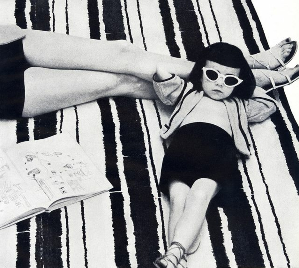 Mädchen-Retro-katzenförmige-Sonnenbrillen