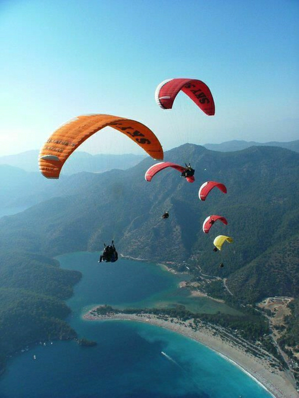 Paragleiten-Babadag-Gebirge-Türkei-Meer-Strand