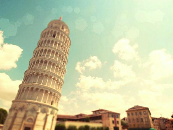Pisa-Turm-Himmel-Wolken