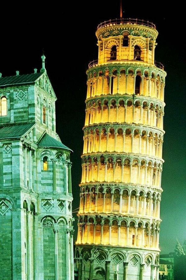 Pisa-Turm-Leuchten-Kathedrale