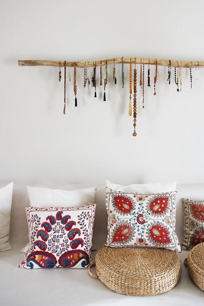 Schlafzimmer-Boho-Kissen-Buddha-Armbänder