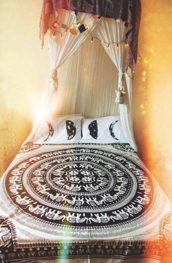 Schlafzimmer-Ideen-Boho-Design-Leuchten-Baldachin