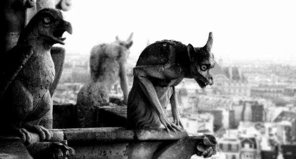 Statuen-Fabelwesen-Foto