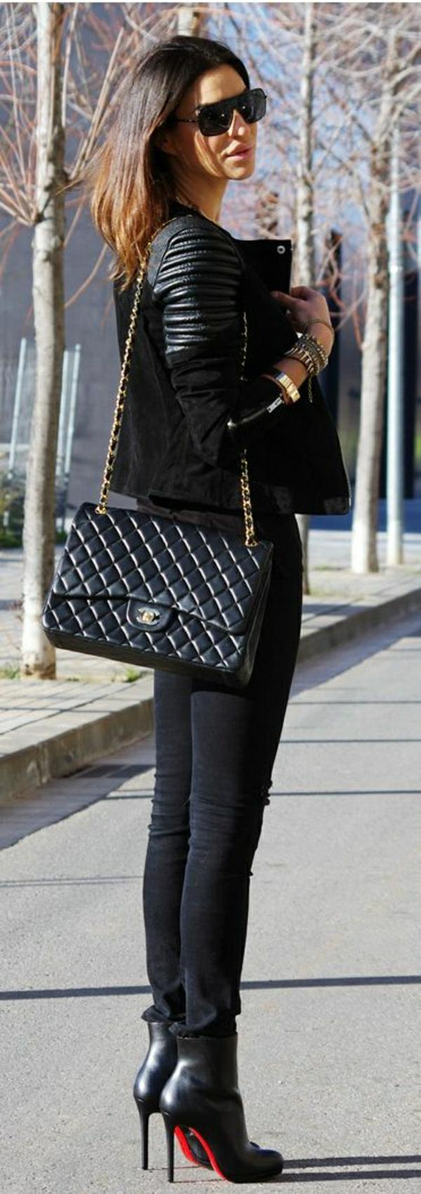 Straßenstil-Chanel.schwarz