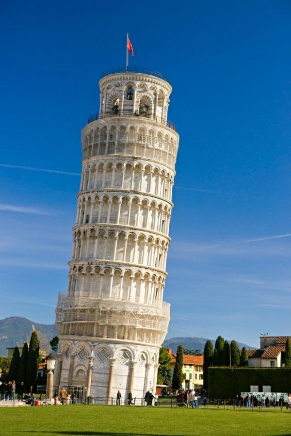 Pisa-Turm-Wiese
