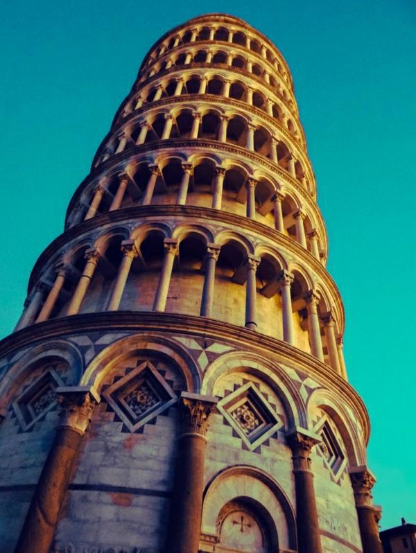 Pisa-Turm-von-unten