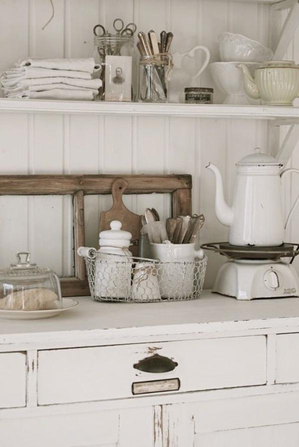 Vintage-Shabby-Chic-Küche-weiß-Teekessel-Porzellan-Geschirr-Küchenschrank