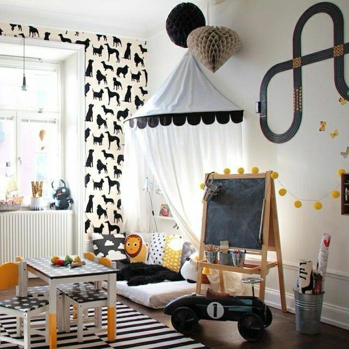 Wand-Gestaltung-Kinderzimmer-weiß-schwarz-gelb-Tapete-Tiere