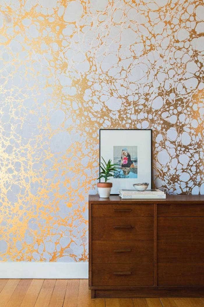 Wand-Tapete-Marmor-Druck-weiß-golden