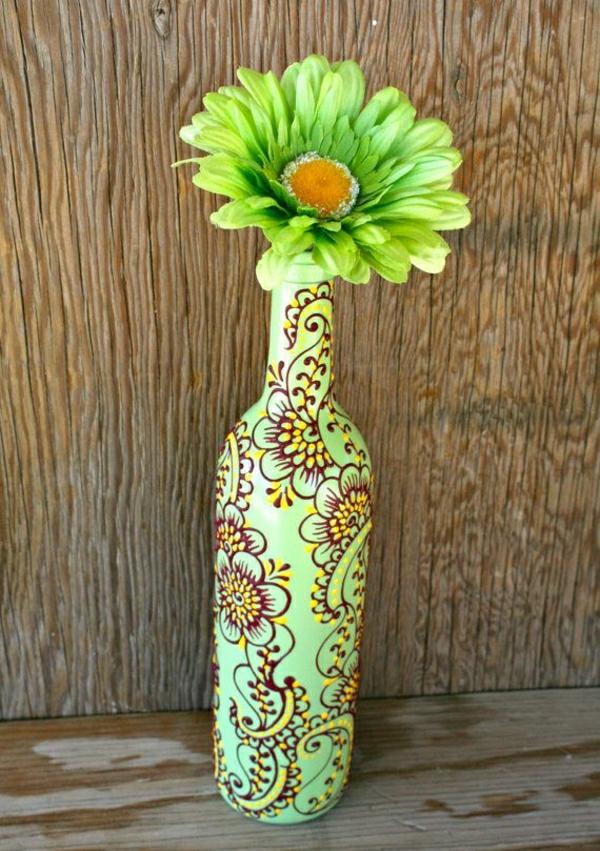 Weinflasche-Henna-Dekoration-Grün-Braun-Gelb-Blume-Gerbera