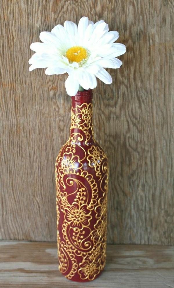 Weinflasche-handgemalt-Henna-Weinrot-Golden-Gerbera