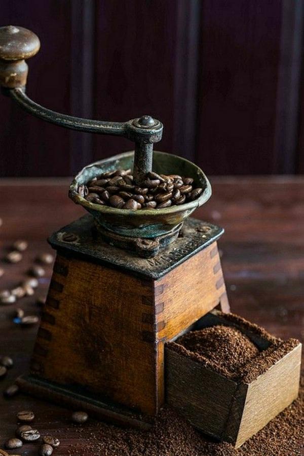 alte-Haushalt-Kaffeemühle
