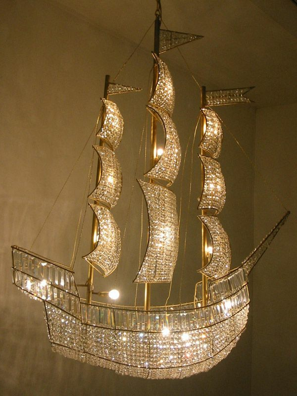 ausgefallene-lampen-ein-luxuriöser-schiff