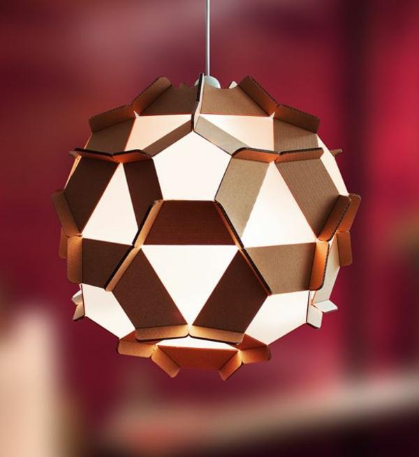 ausgefallene-lampen-kugel-mit-vielen-ecken - goldene farbe