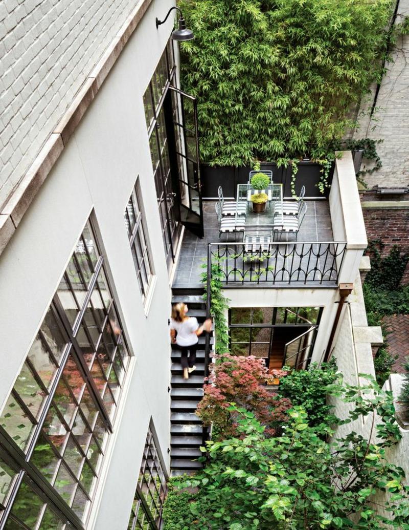 balkon-bepflanzen-foto-von-oben-genommen