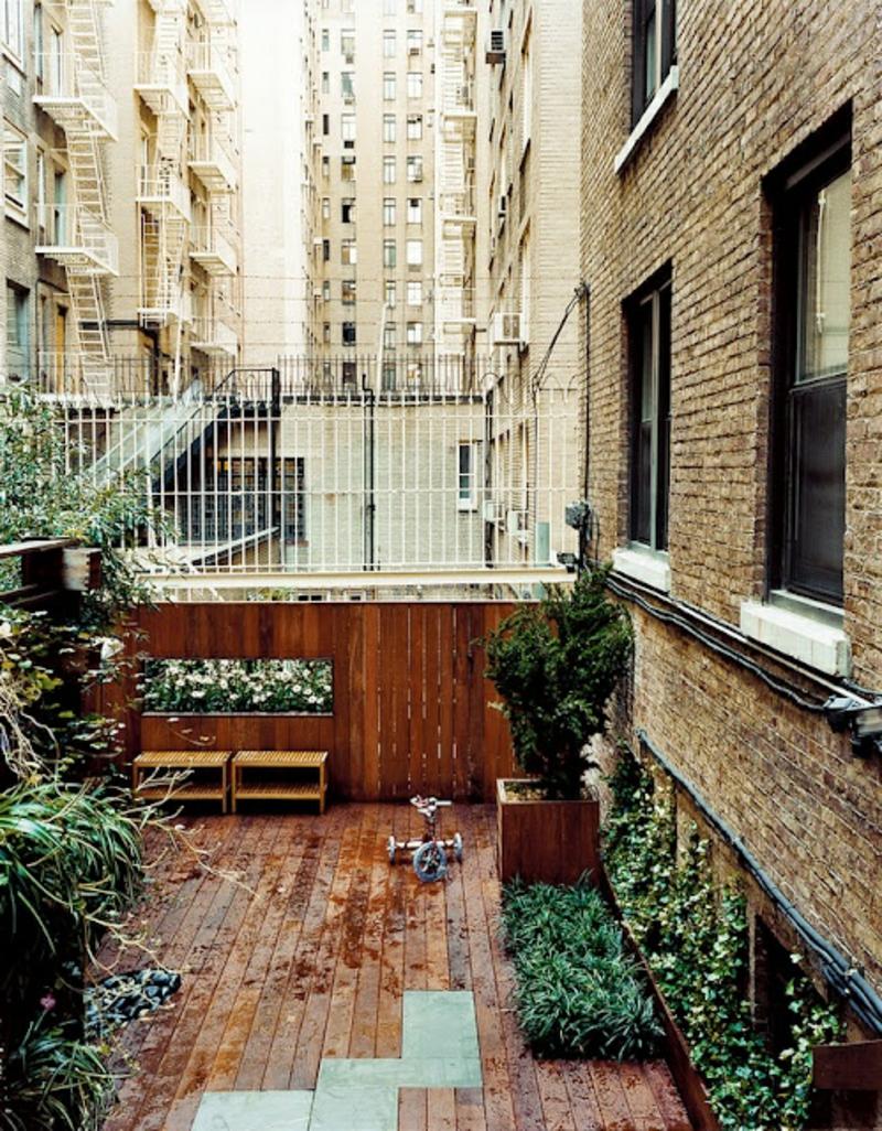 balkon-bepflanzen-kreatives-bild