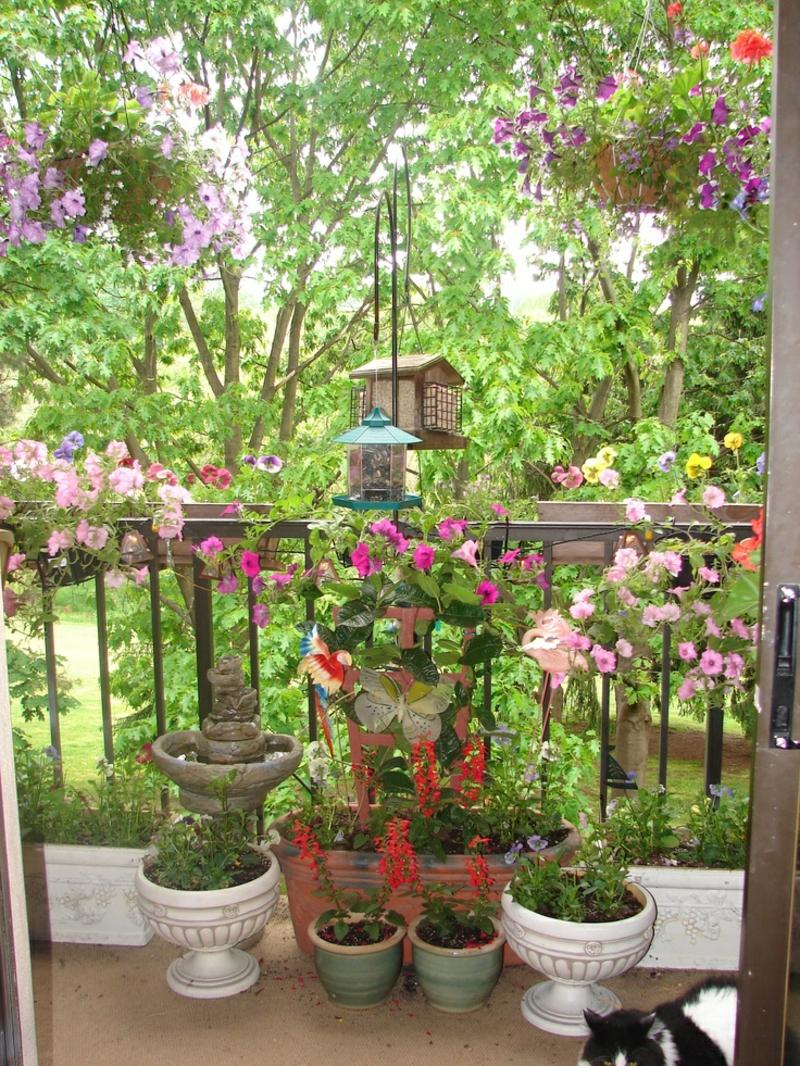 balkon bepflanzen ideen kleinen balkon gestalten balkon bepflanzen 60 originelle ideen balkon. Black Bedroom Furniture Sets. Home Design Ideas