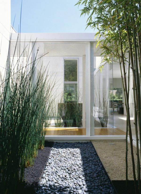 bambus balkon vs bambus terrasse super gestaltungen. Black Bedroom Furniture Sets. Home Design Ideas