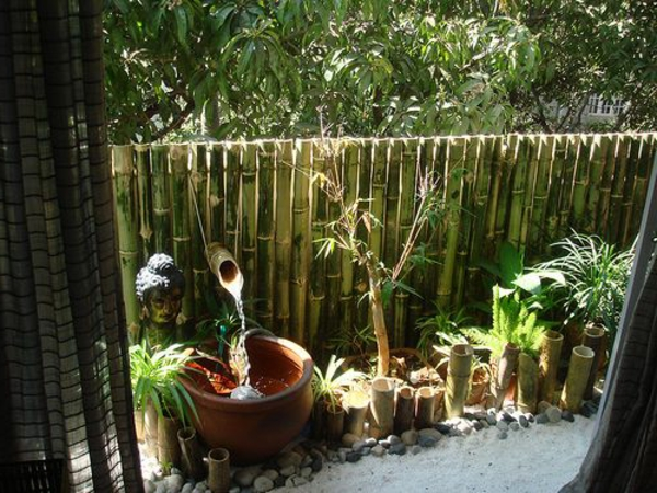 bambus-balkon-tolles-aussehen-exotisches-ambiente