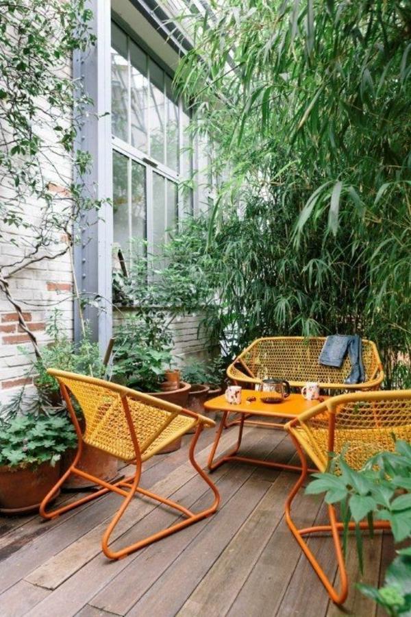 bambus-balkon-wunderschön-aussehende-möbelstücke