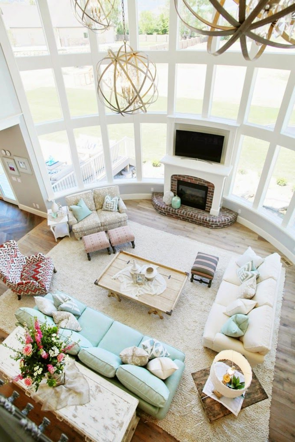 bodentiefe-fenster-wunderschönes-wohzimmer-foto-von-oben-genommen