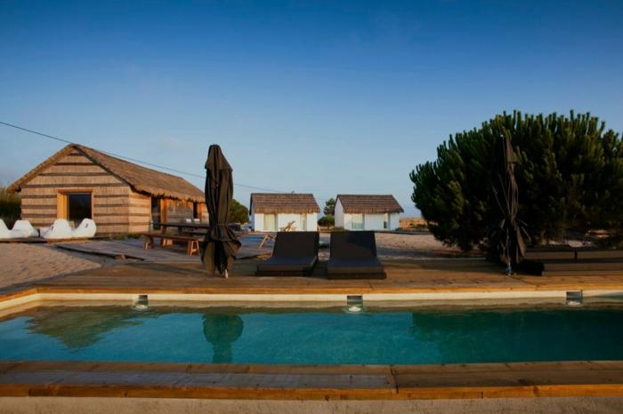 casas-na-areia-portugal_ferienhäuser-architektur-ferienhäuser-portugal-urlaub-portugal
