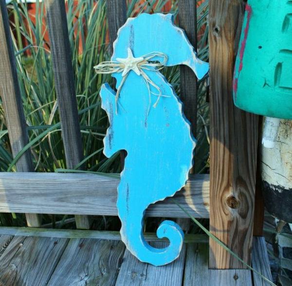 deko-mit-einem-seepferd-ideen-für-dekoration-in-blau-Seepferdchen