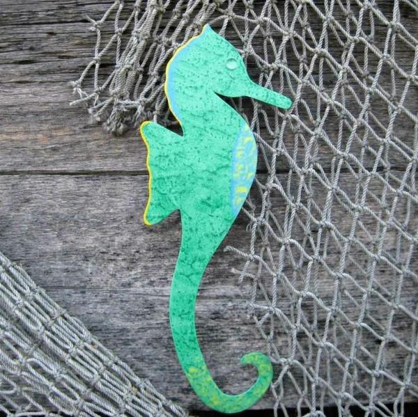 deko-mit-einem-seepferd-ideen-für-dekoration-in-grün