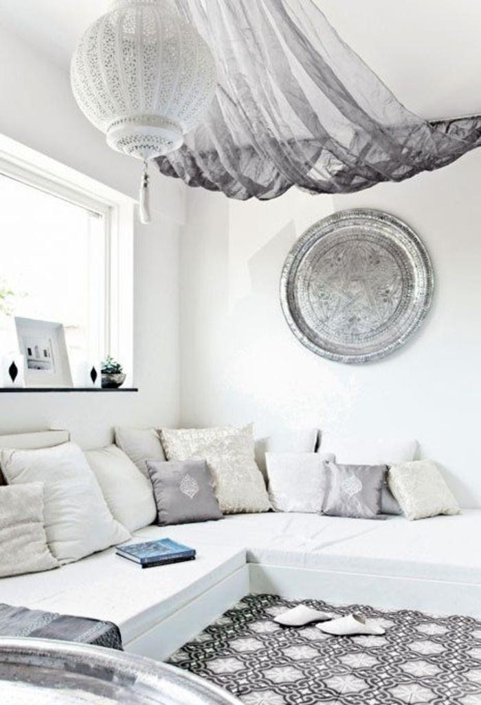 elegantes-weißes-Schlafzimmer-in-Boho-Stil