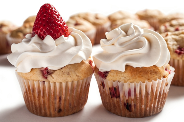 erdbeer-cupcakes-Ideen-für-brunch-brunchen-ideen-rezepte-zum-brunchen