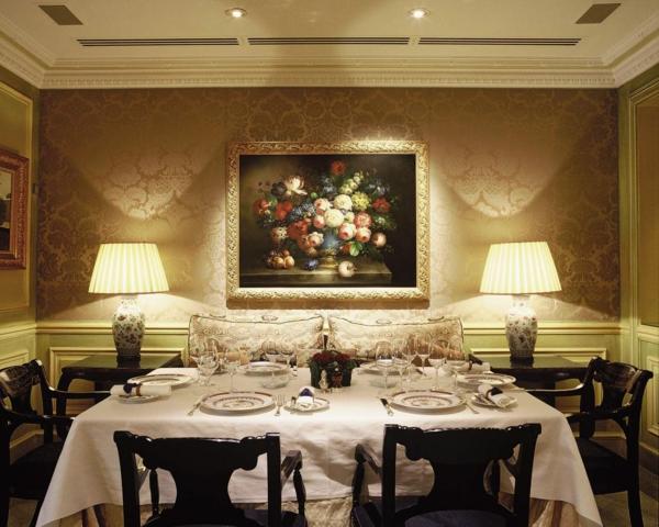extravagante-wohnideen-für-esszimmer-super-cooles-aussehen-romantische-beleuchtung