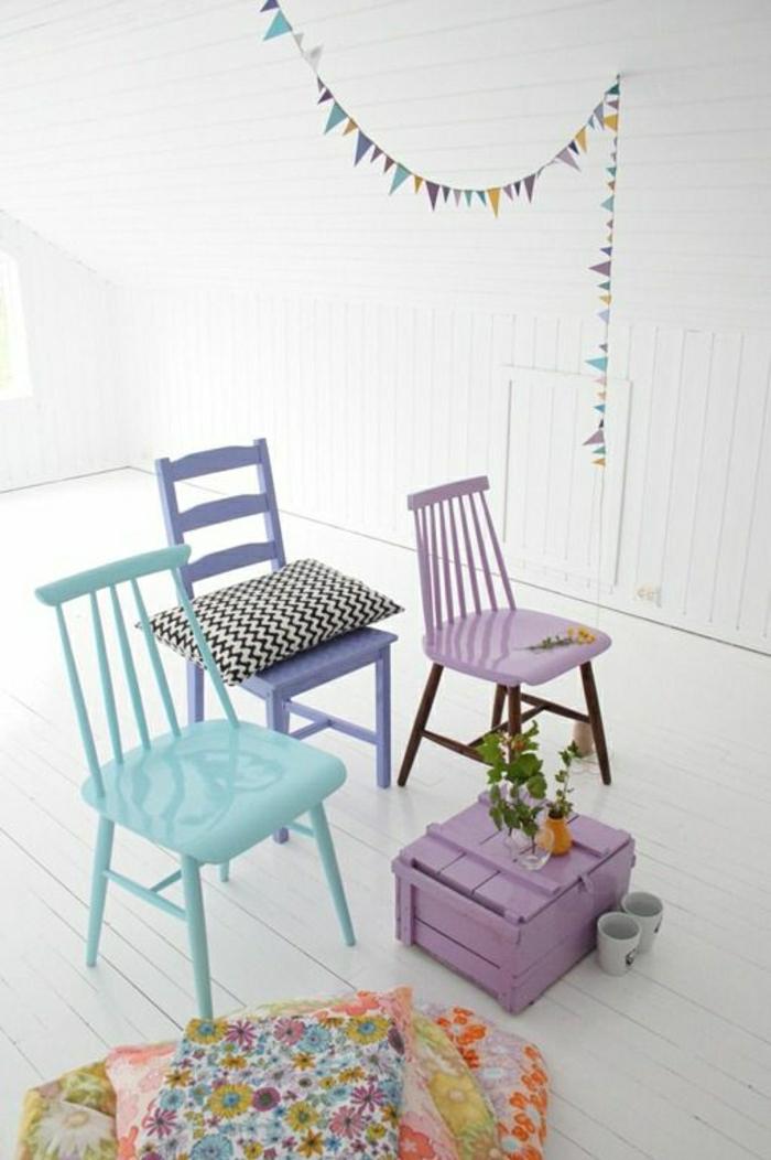 farbpaletten-pastellfarben-schöne-stühle-in-pastellfarben