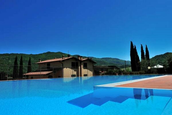 ferienhaus-in-toskana-mit-pool-cooles-modell-reines-wasser - exotische ungebung