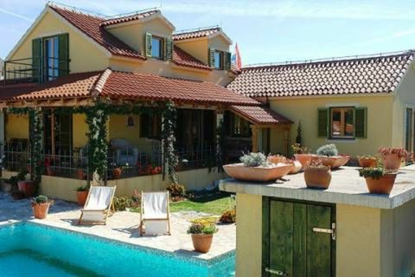ferienhaus-in-toskana-mit-pool-interessante-gestaltung