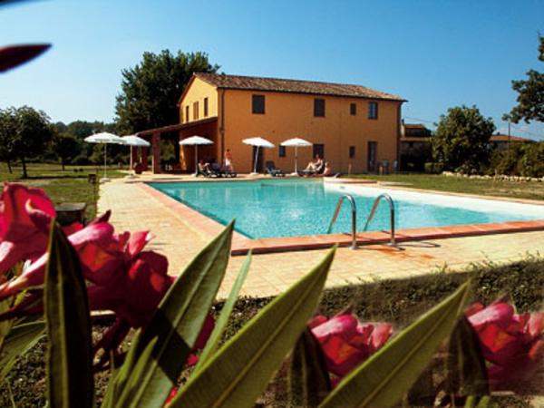 ferienhaus-in-toskana-mit-pool-super-design-schöne-natur