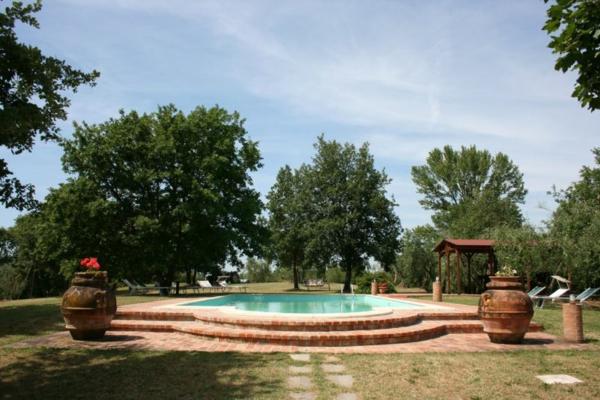 ferienhaus-in-toskana-mit-pool-tolles-aussehen-modern-gestaltet