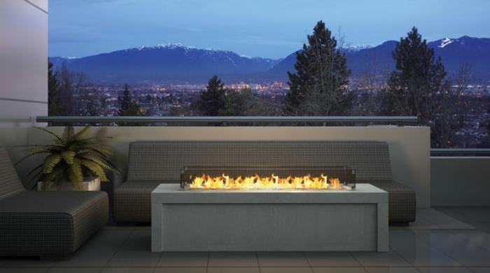 feuerstelle-für-terrasse-graue-gestaltung